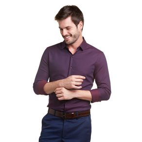03.05.0274--Camisa-manga-longa-com-colarinho-estruturado-vista-simples-e-modelagem-extra-slim-que-se-ajusta-ao-corpo.-Feita-na-cor-da-estacao-e-com-fio-tinto-surton-formando-o-